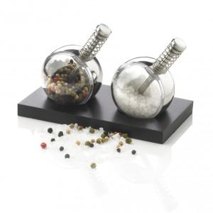 planet-pepper-and-salt-set-xd-design-1