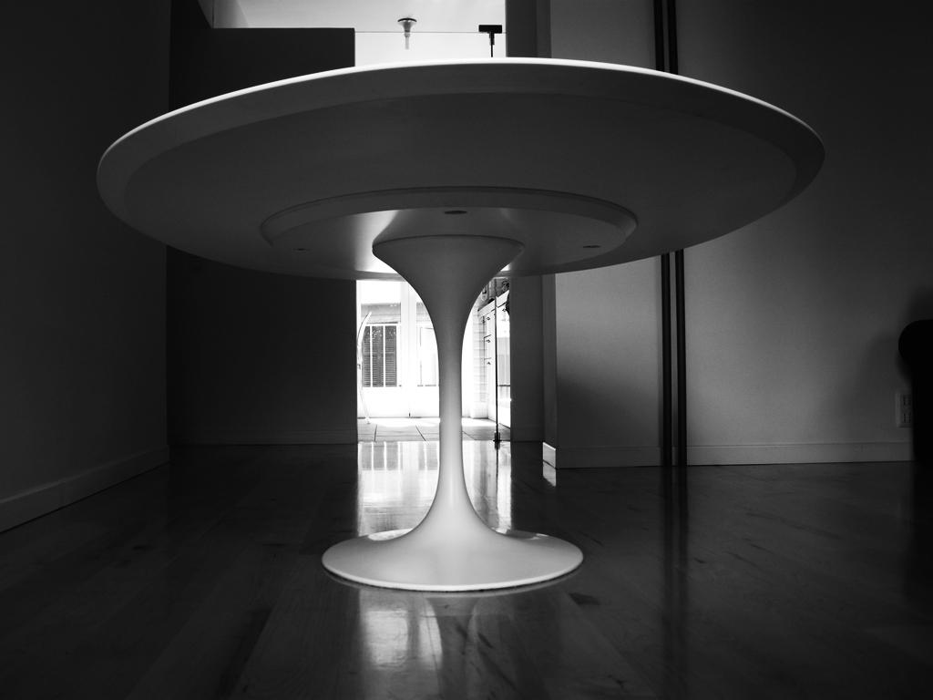 Saarinen tulip tavolo rotondo design 4u store for Tavolo rotondo bianco design